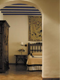 Almagro Parador bedroom